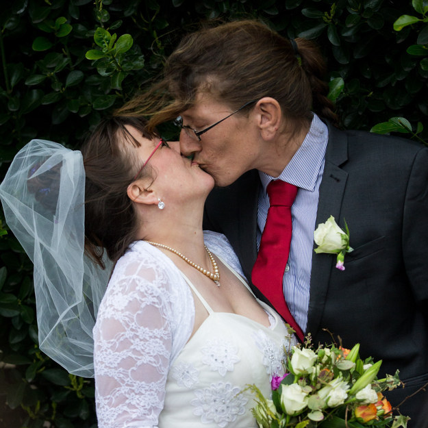 Their relationship began when he asked her for money but ending up giving her 50p for her electricity meter, and on Saturday, Jack Richardson and Toni Osborne got married.