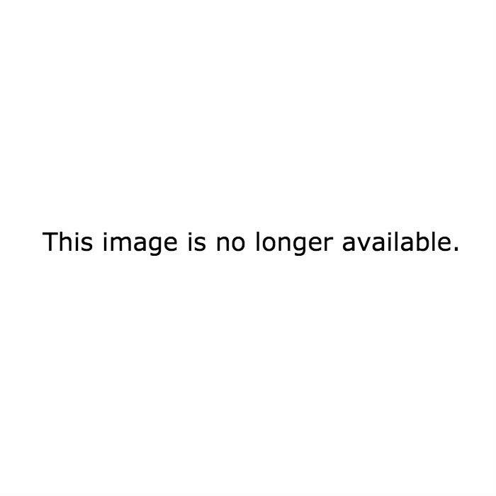 People Are Losing It Over A Story Of A Woman's Pooping