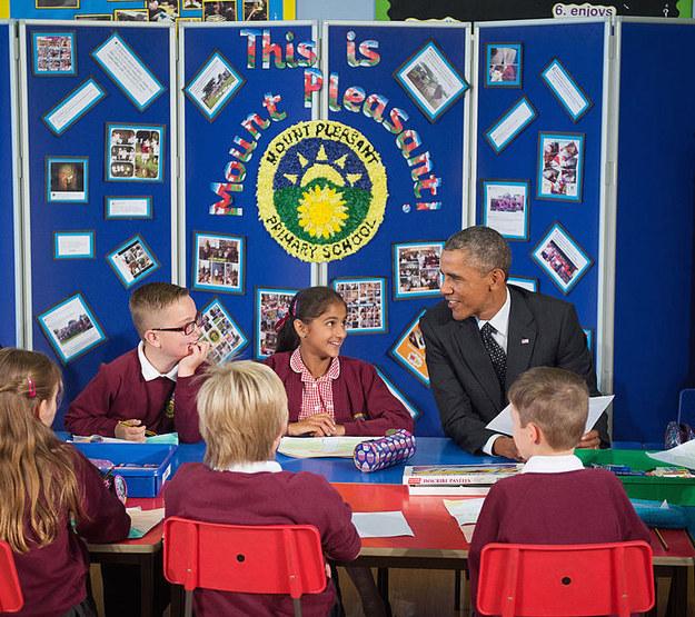 American politicians meeting schoolchildren: