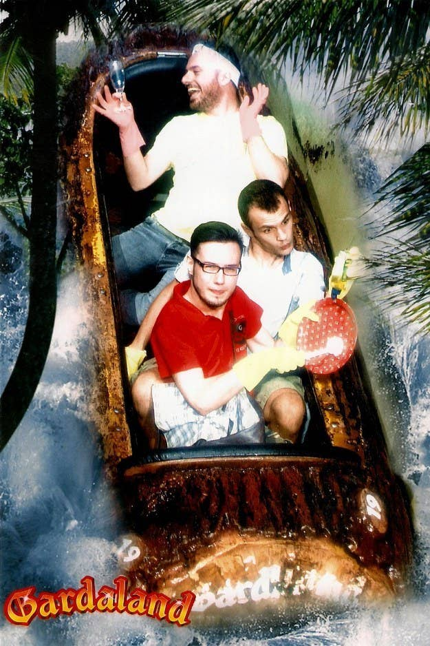 26 Of The Most Hilarious Amusement Park Ride Photos You'll Ever See
