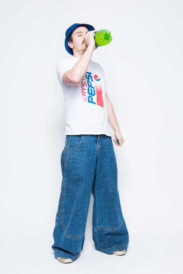 2bb55f0d3fc Here s What Happens When You Wear Giant JNCO Jeans In 2016