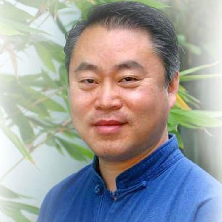 """Dr. Weidong """"Henry"""" Han"""