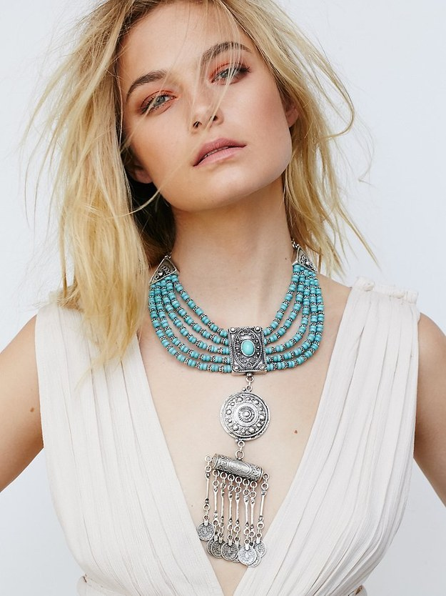 This insanely gorgeous turquoise statement necklace.