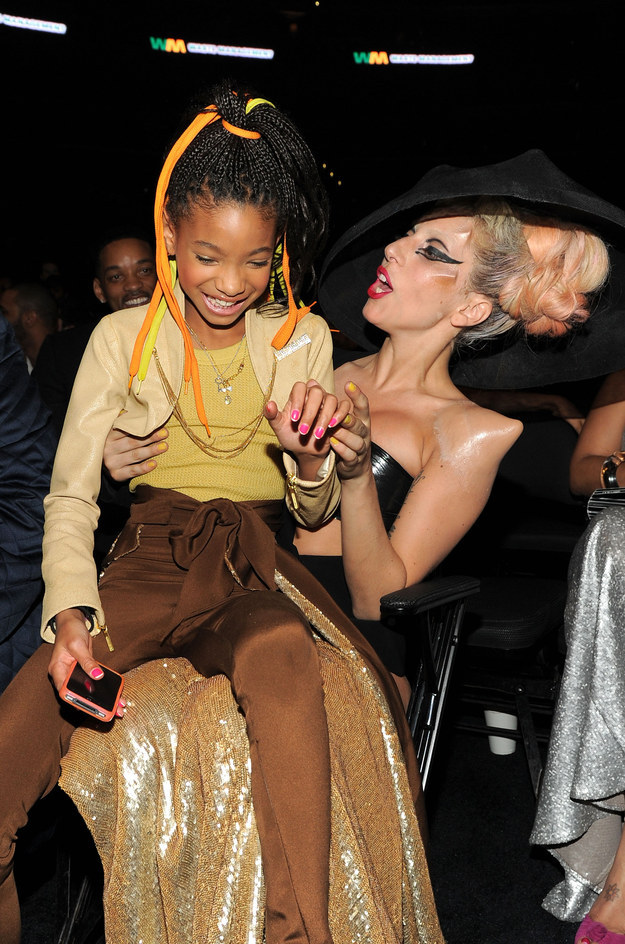 También se las aguantó con el bebé Willow Smith.