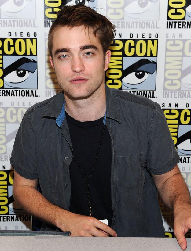 ¿Robert Pattinson se cortó el pelo él solo? ¡Por Dios!