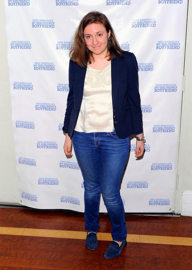 Lena Dunham usaba mechones más largos.