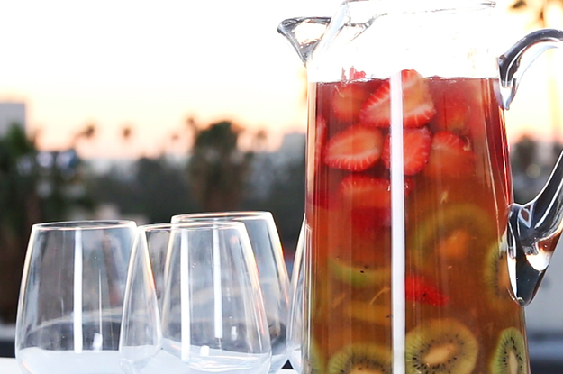 Sparkling Strawberry Sangria Recipe — Dishmaps