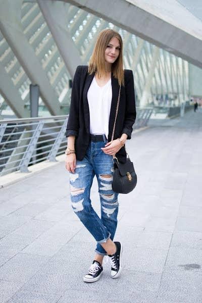 d277d21af0 16 Maneras de usar blue jeans para ir a trabajar