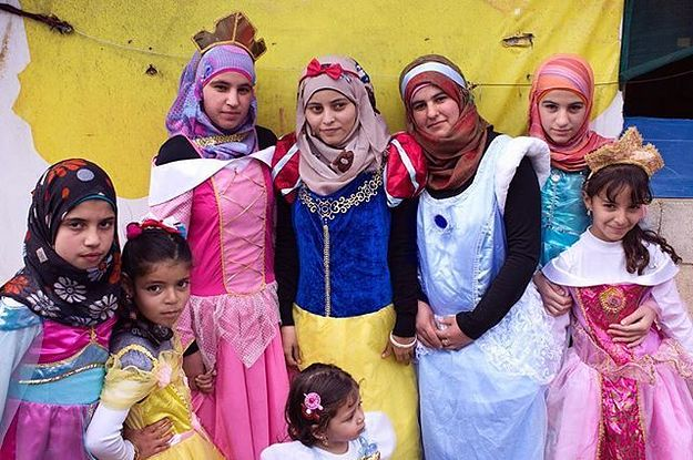 Girls In A Syrian Refugee Camp Got The Chance To Dress Up Like Disney Princesses