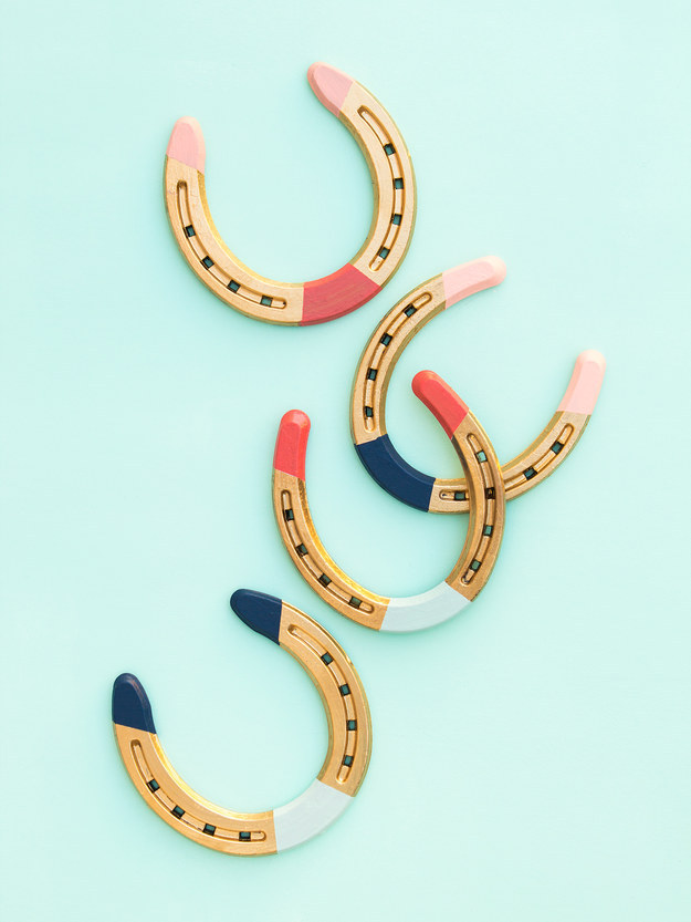Get lucky with some perfectly painted horseshoe charms: