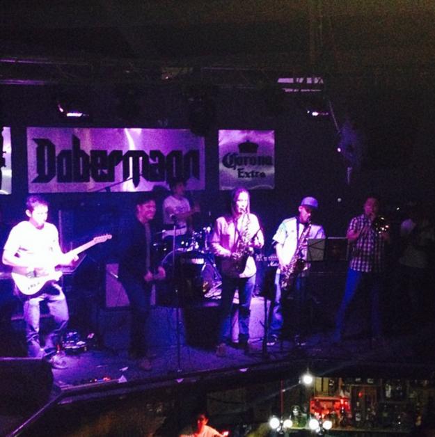 """""""El Dober"""" permanece como testimonio de que el rock de los dosmiles también pasó por Ecatepec."""
