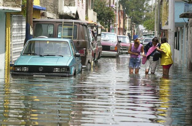 Y cuando llueve, hay colonias que no le piden nada a Venecia.