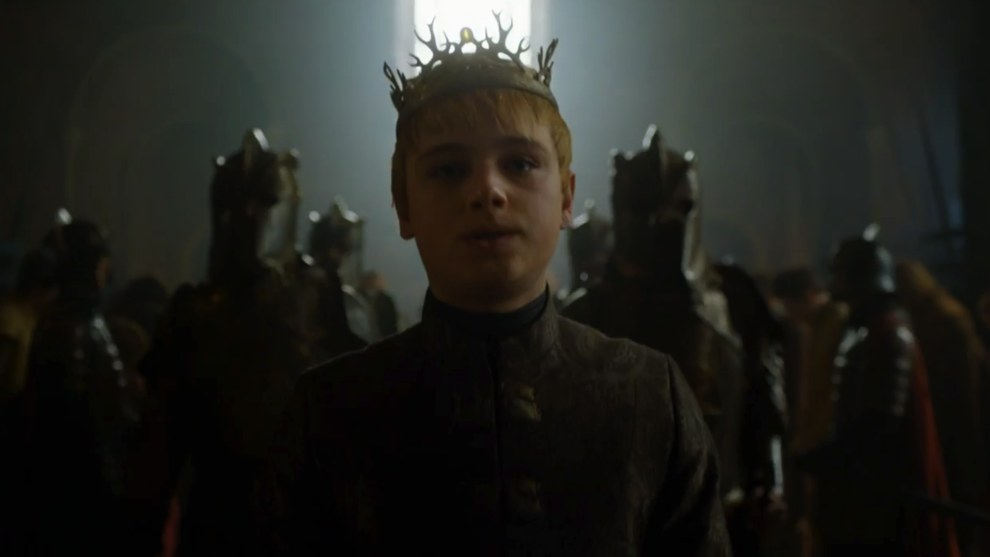 In the throne room we see a definitely-not-out-of-his-depth King Tommen being backed up by his Kingsguard.