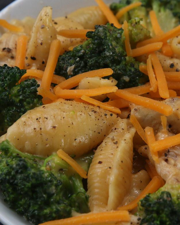 Cheesy Chicken and Broccoli Pasta Dinner