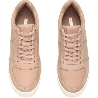 30 Gorgeous Pairs Of Sneakers You ll Want To Wear Every Day 343d53e5f