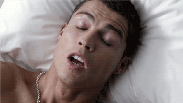 Ei, em que outro momento você poderia sobrevoar o Grand Canyon sem roupa ou sair com uma celebridade? A maioria das pessoas que tem sonhos lúcidos frequentemente não se sente incomodada com isso nem sofre qualquer tipo de problema de sono. Algumas pessoas ainda relatam ter orgasmos dormindo quando têm sonhos lúcidos sobre sexo.