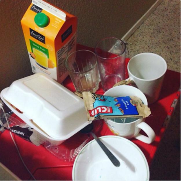 Poco a poco trasladaste todo el contenido de tu cocina a tu recámara: