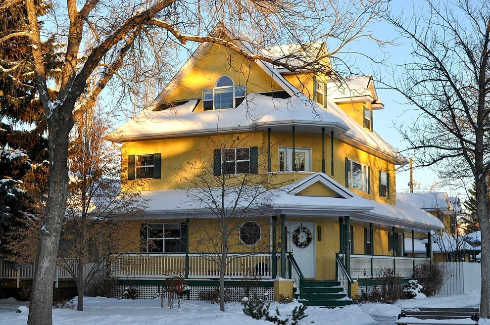 You won't find any charming neighbourhoods in Edmonton.