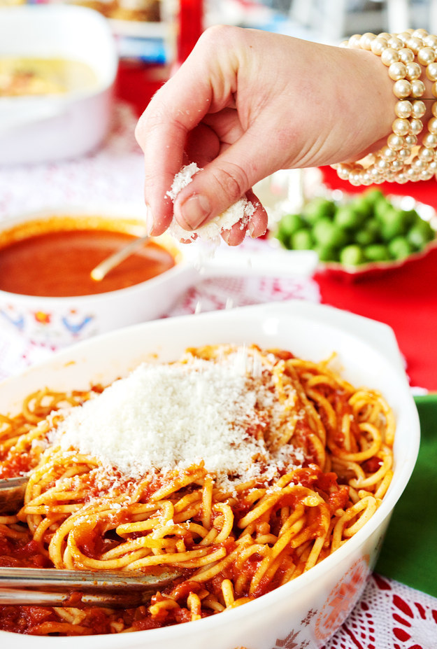 Classic Spaghetti with Red Sauce