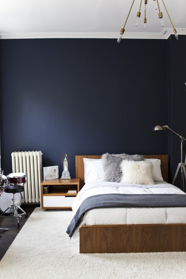 Decorating Ideas > 23 Ways To Decorate Your Bedroom If You Love The Color Blue ~ 013607_Apartment Decorating Ideas Buzzfeed