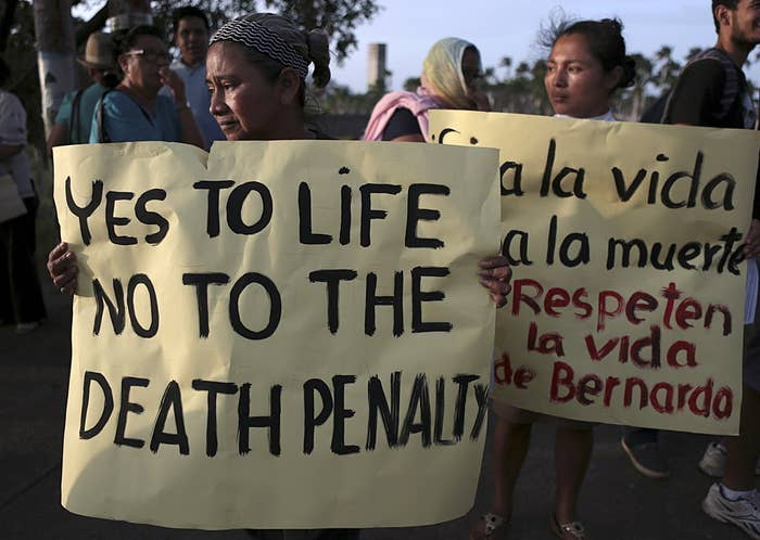 Members of the Ecclesiastical Communities of Nicaragua protest in Managua, Nicaragua, against the upcoming US execution of Bernardo Tercero, 24 August 2015.