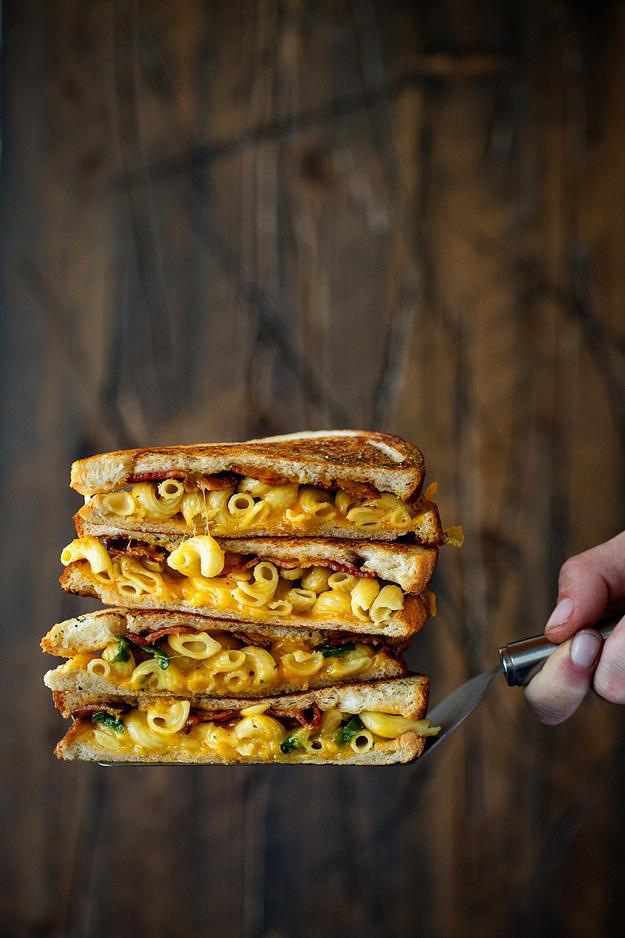 Bacon Mac and Cheese Melt