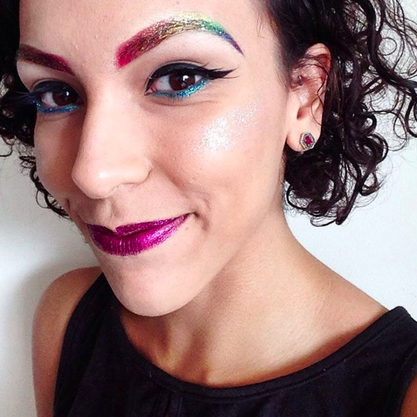 You can go full on glitter browz.