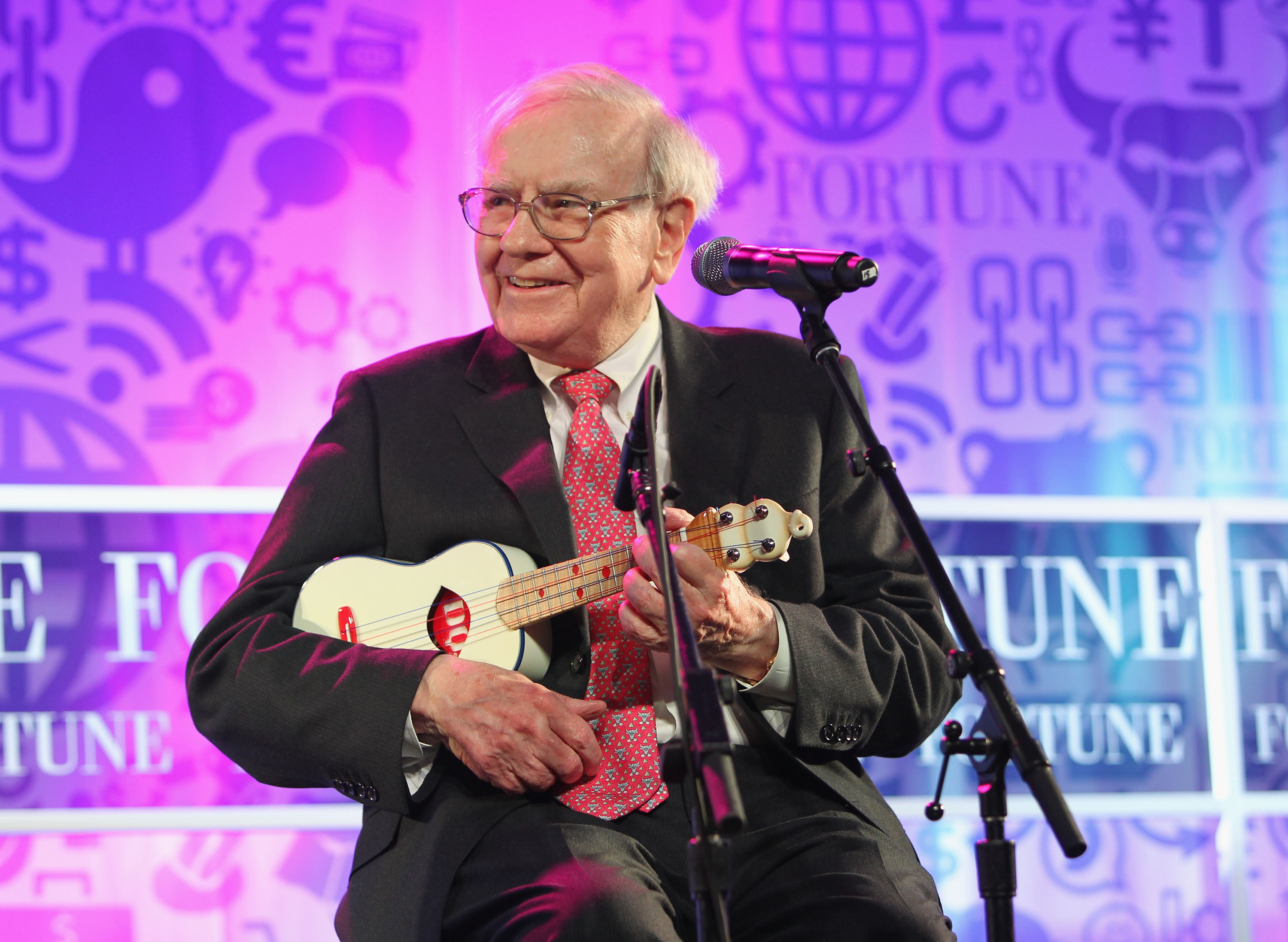 Buffett Becomes Apple's 56th Largest Shareholder With $1 Billion Investment