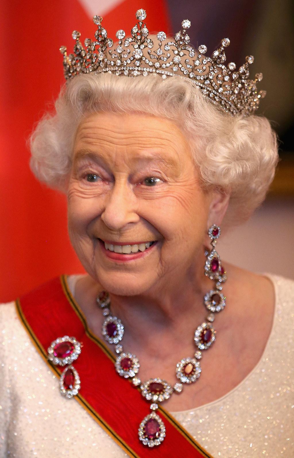 queen elizabeth i thesis statement