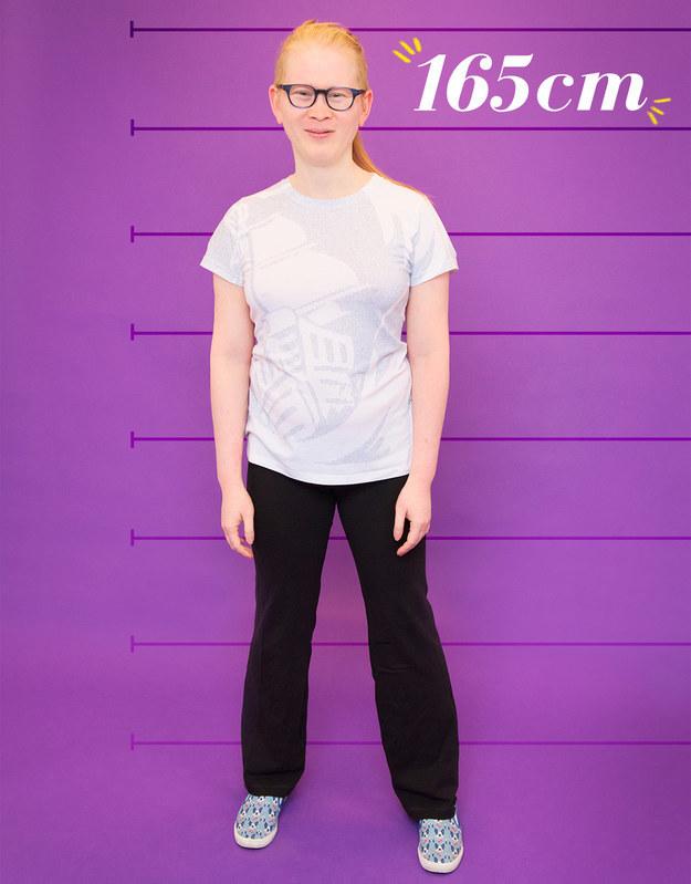 Meredith mide 165 cm, sale principalmente con hombres y piensa que su altura es una ventaja desde su transición.