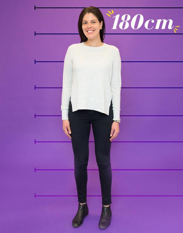 Rachel mide 180 cm, sale con hombres y encuentra atractivo que los chicos más bajos sean lo suficientemente seguros como para estar interesados.