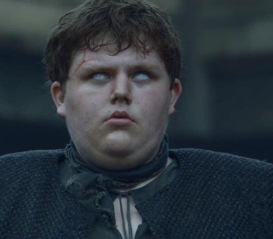 Pero fue hasta el capítulo de ayer que Bran descubrió que también puede influenciar el pasado.