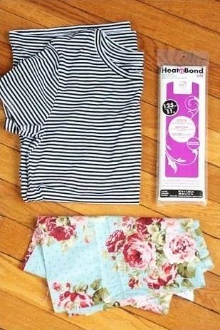 1. Agrega flores, un logo, o algo estampado a una camiseta básica.