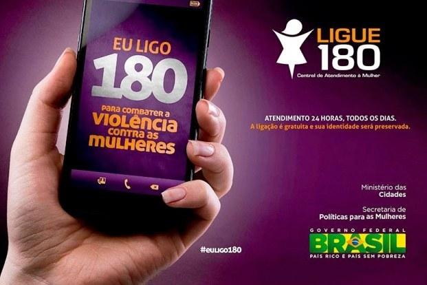 Pegue um telefone e disque 180, o número da Central de Atendimento à Mulher para receber outras orientações e dicas de como ajudar a vítima.