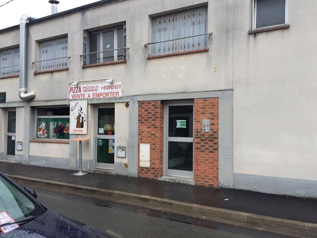 This construction company paid Lycamobile more than €1 million but is registered at an empty building.