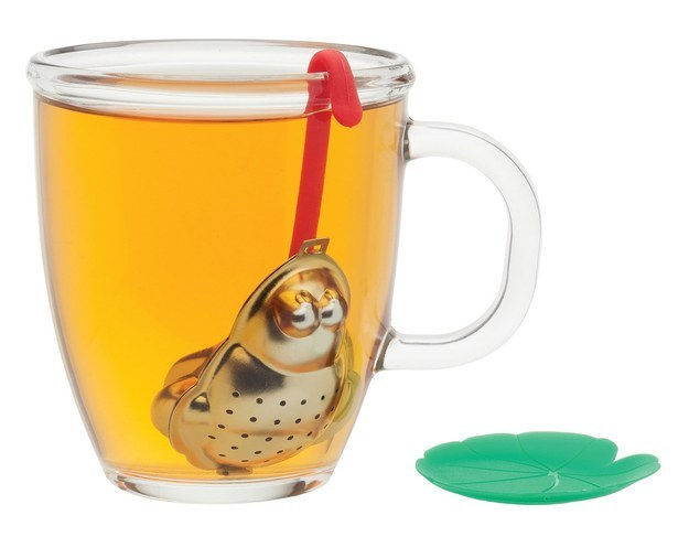 A frog tea infuser that will make you oh so very hoppy.