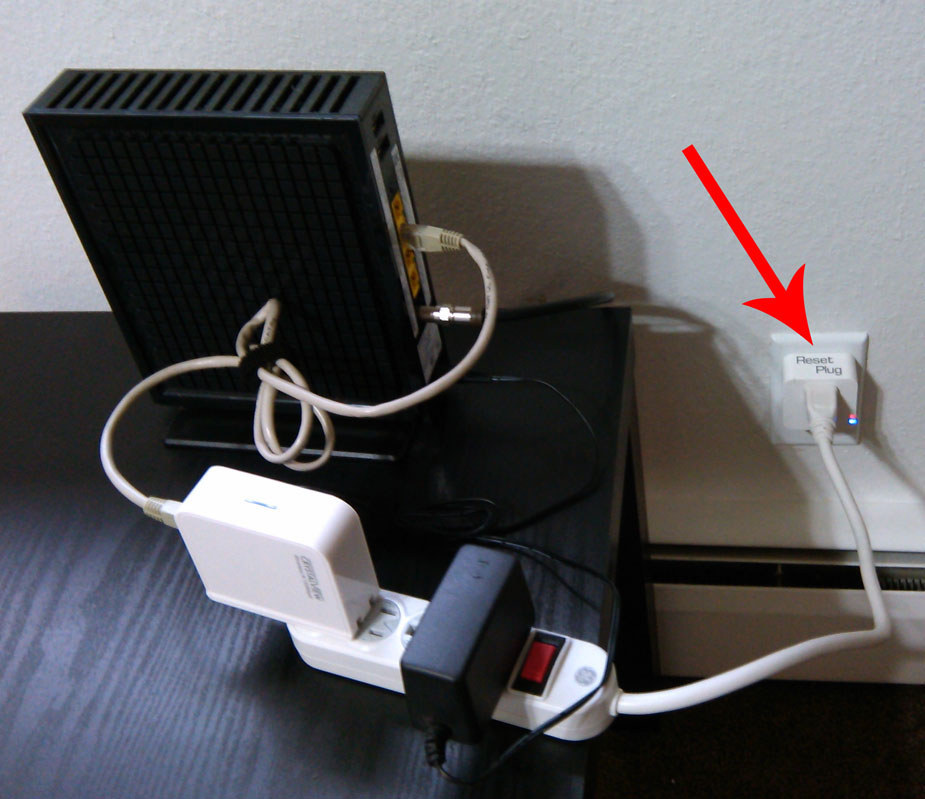 This Plug Automatically Resets Your Router When Your Wi-Fi Is Down