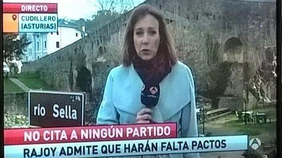 Cuando esta reportera se fue a Cangas de Onís pero no había avisado a su madre y le hizo creer con un rótulo que estaba en Cudillero.