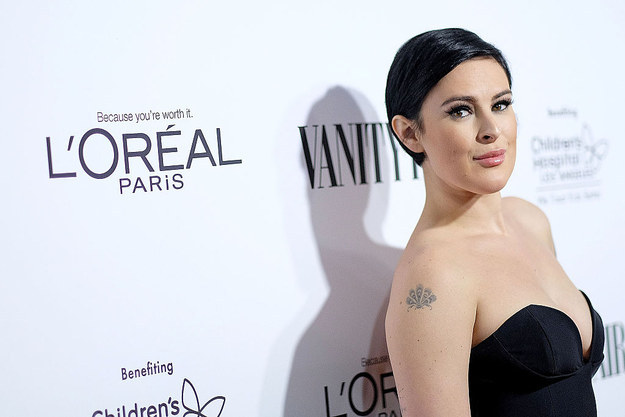 """Rumer Willis Called Out """"Vanity Fair"""" For Photoshopping Her Jaw"""
