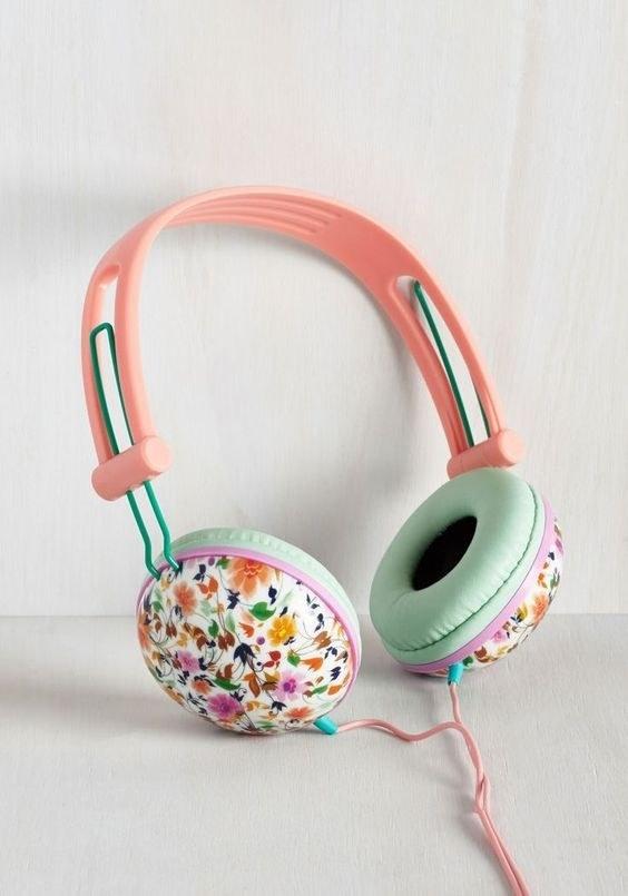 Estos audífonos elegantes.