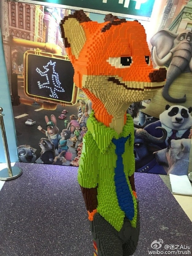 Para una exposición de Lego en la ciudad de Ningbo, construyó a Nick Wilde, el personaje del zorro en la película Zootopia.
