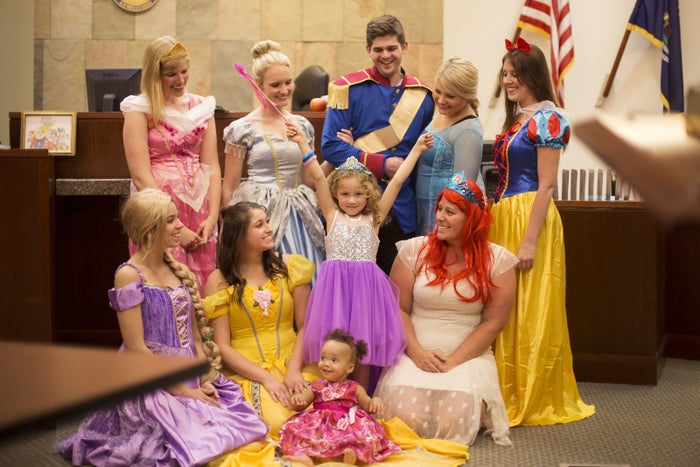 """Caseworker Kristina Grey came up with the idea to surprise the young girl, named Danielle.""""She simply asked a fellow caseworker named Taylor if she wouldn't mind dressing up as Cinderella, who is Danielle's favorite princess,"""" Trina Kent, the resource family development specialist at Samaritas Foster Care Services, told BuzzFeed."""