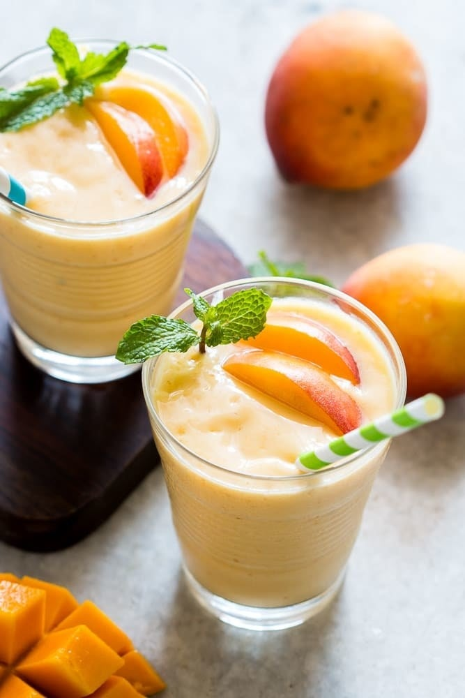 This refreshing fruity smoothie is perfect for Suhoor! Get recipe here!