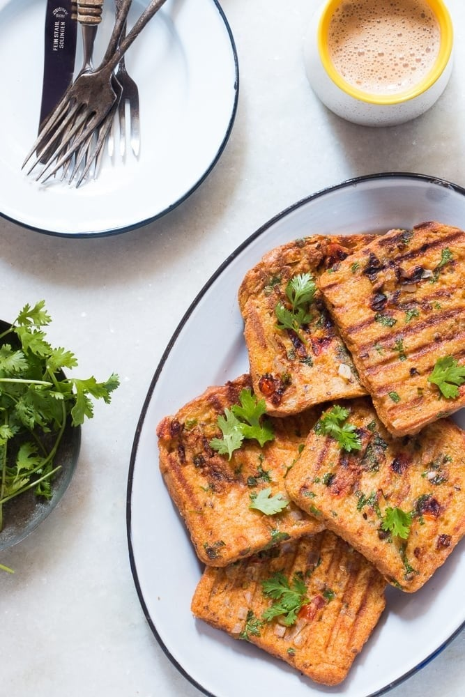 A fan of Indian food? Then try this Indian Masala Egg French Toast! Get recipe here.