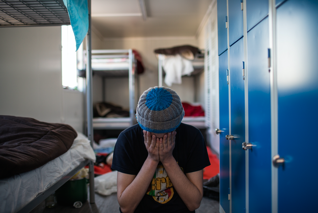 Unicef estima que hay unos 500 niños sin compañía ubicados en las siete zonas para refugiados en el norte de Francia. Además, afirma que algunos de los niños entrevistados llevaban allí hasta nueve meses.