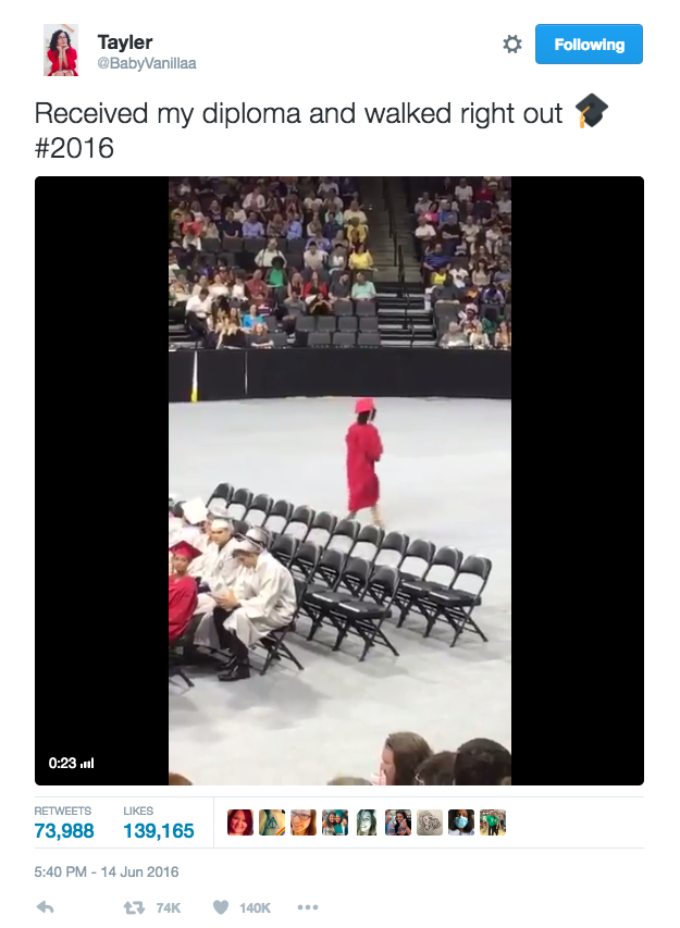 Tayler Gray a «tweeté» une vidéo d'elle quittant la cérémonie, juste pour la partager avec ses amis et sa famille. Mais, depuis qu'elle a été postée, elle a été retweetée plus de 83.000 fois.
