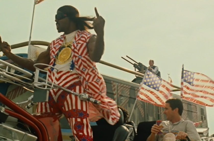 Terry Crews and Luke Wilson in Idiocracy.