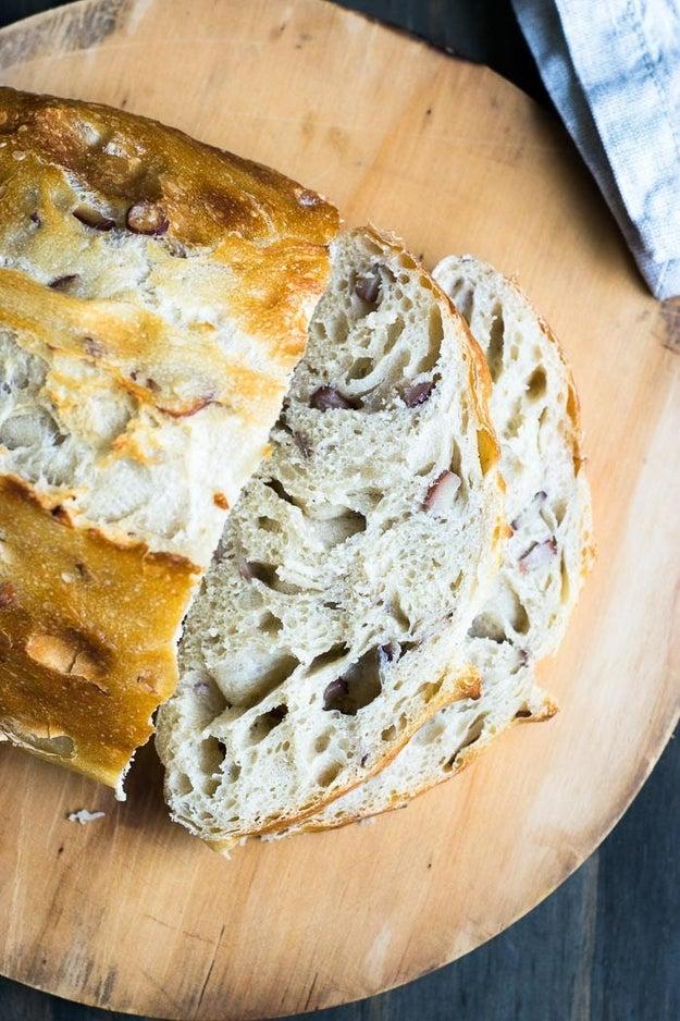 Pão com pinhão.