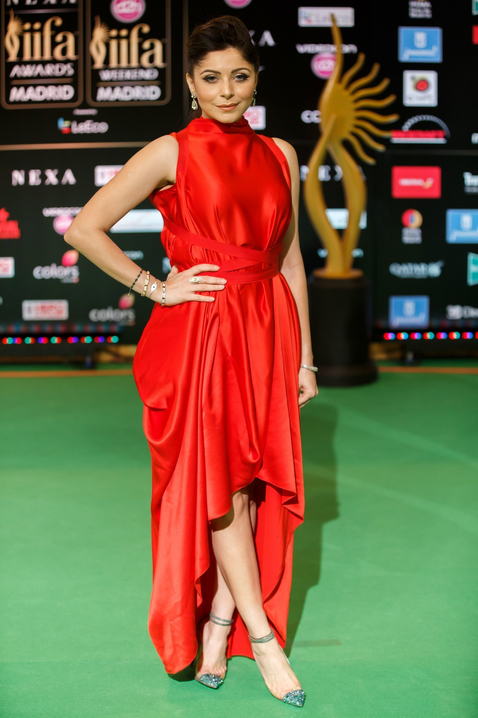 Here Is What Bollywood Celebrities Wore To IIFA Rocks 2016