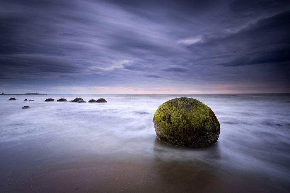 Las rocas fantasma de Moeraki, en Nueva Zelanda.